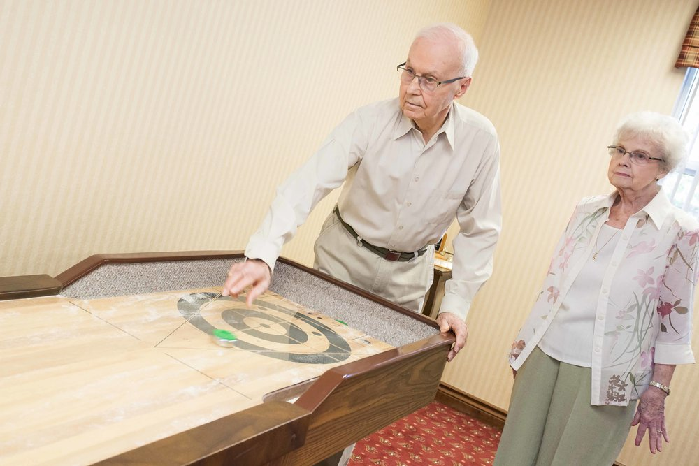 Senior retirement homes activities in Oakville, ON
