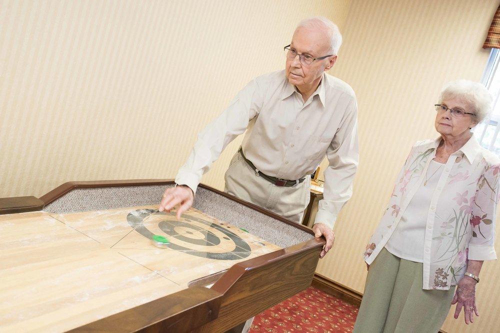 Senior retirement homes activities in Oakville, ON