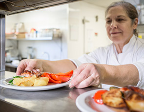 Best dining experience for seniors in Oakville, ON